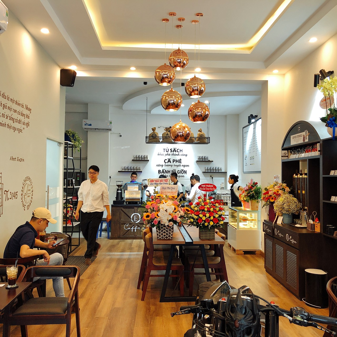 Hình ảnh mô hình Trung Nguyên Ecoffee